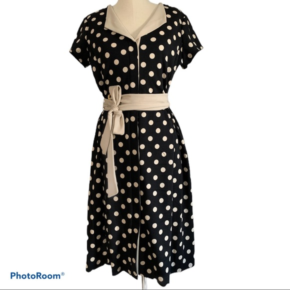 🆕👗Shelby&Palmer black dress with beige polka dot